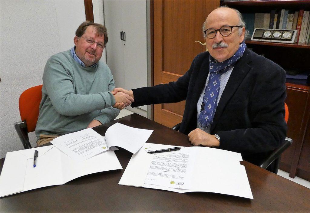 Foto 1. Convenio APM-Costa Press Club