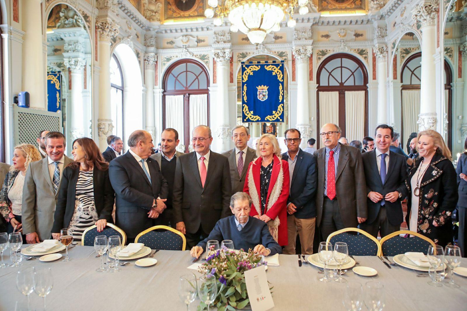 foto familia 90 años manuel alcántara
