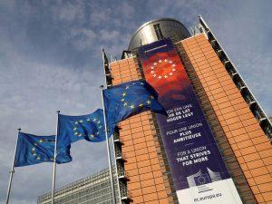 Bruselas presentará dos iniciativas de apoyo a los medios